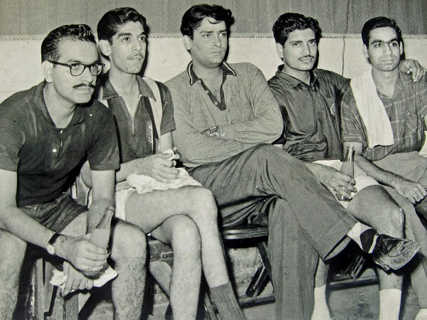 Table-Tennis-Boys-Club-L-To-R-M.-Lulla-Baji-Khambatta-Shammi-Kapoor-S.-B.-Joag-And-Shyam-Bajaj-Audiopolitan